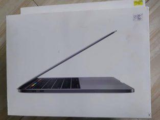 MacBook Pro 15-inch, 16GB RAM, 256GB Stoge 2.6GHz