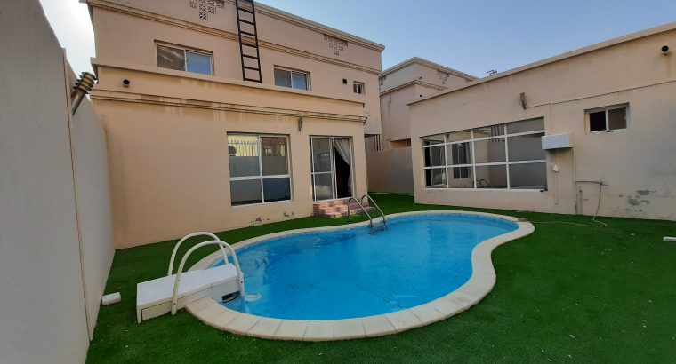 4BHK Semi-furnished Compound Villa for rent